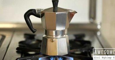 Pha cà phê bằng bình Moka