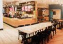 Tại sao giá cà phê ở Highlands, Starbucks đắt hơn nhiều quán bình dân vẫn đắt hàng?
