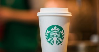 Starbucks lần đầu bán cà phê trên đất Italy
